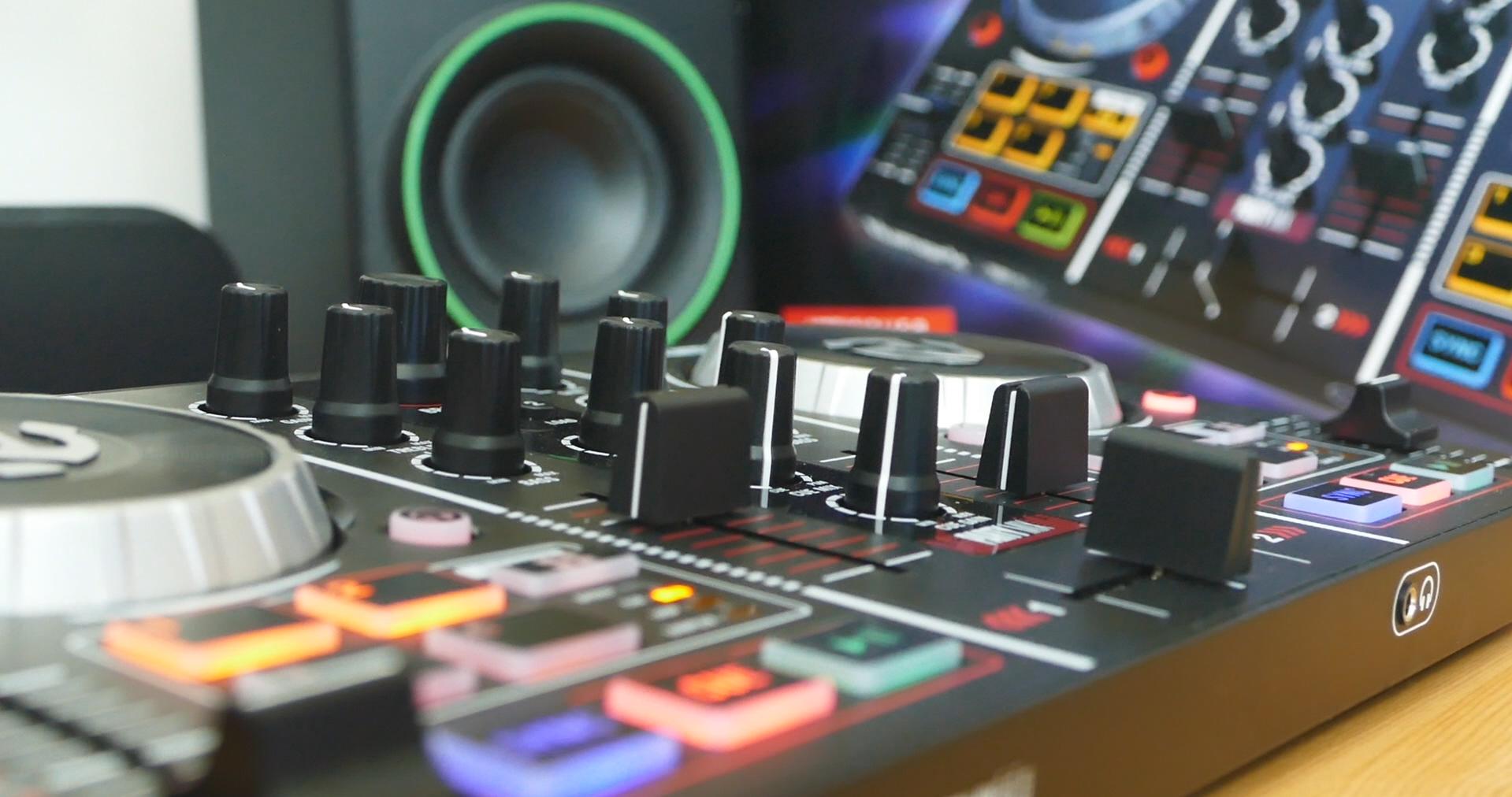 test Platine dj Djing débuter image Numark Party Mix