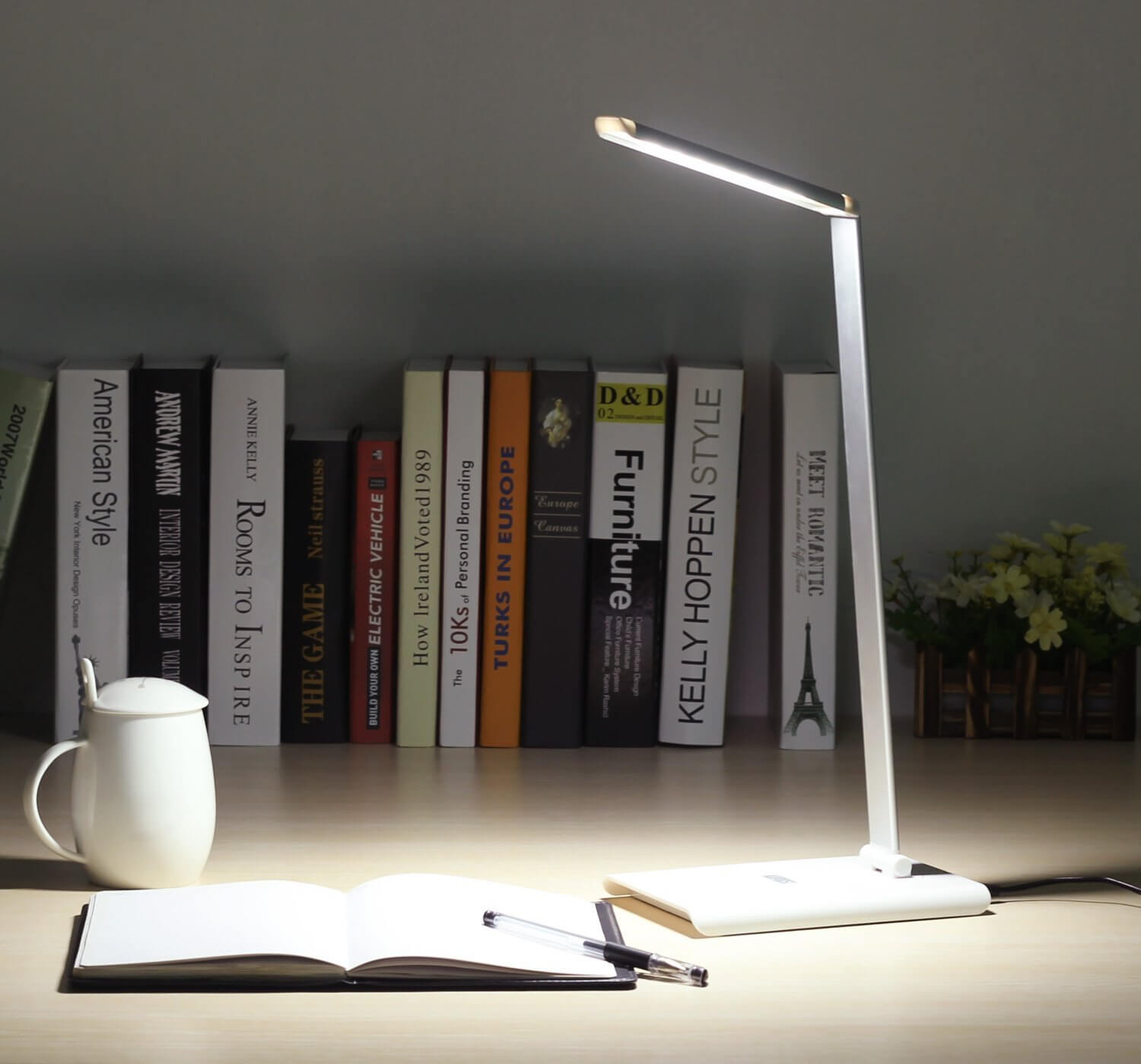 Test : une lampe de bureau à LED blanche (August) !